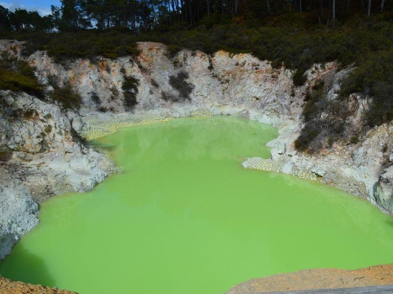 Wai-o-tapu-nouvelle-zelande-xaviere-l-aventuriere-bain-diable-2