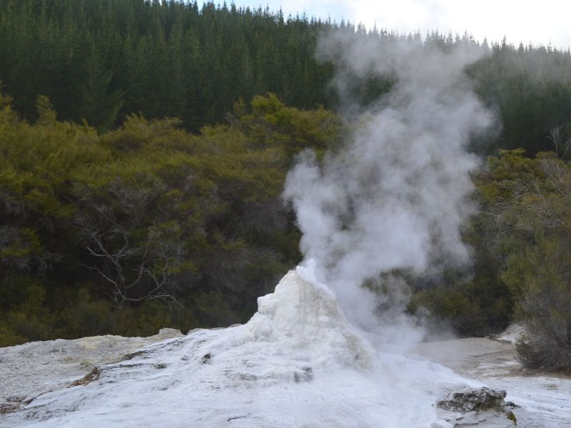 Wai-o-tapu-nouvelle-zelande-xaviere-l-aventuriere-geyser-lady-knox-3